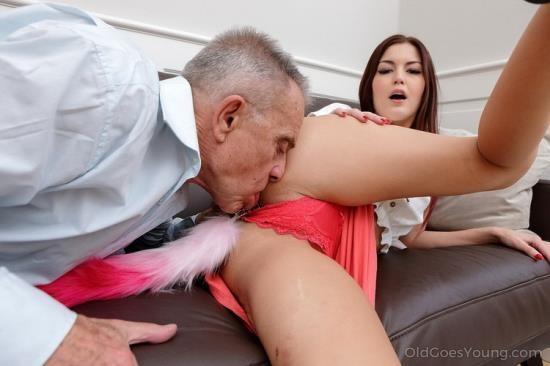 OldGoesYoung - Cindy Shine - Grey-haired teacher tastes a sweet ass (FullHD/1080p/1.45 GB)
