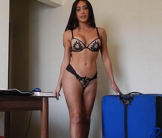 Pure-TS - Juliana Nogueira - Brazilian superstar Juliana Nogueira jerks off her lover (FullHD/1080p/597 MB)