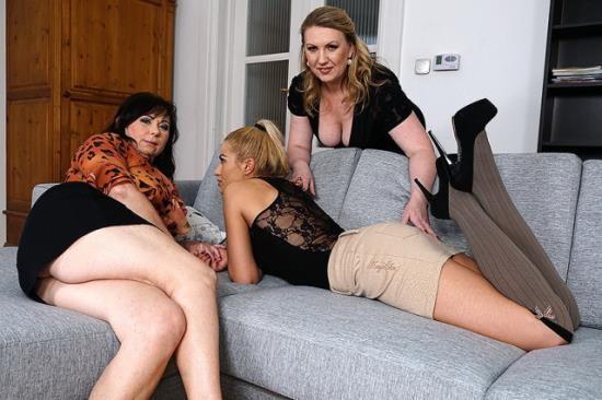 Old-and-Young-Lesbians/Mature.nl - Irina (46), Rosalia (55), Sheena (18) - lesbian-alex415 (HD/720p/985 MB)