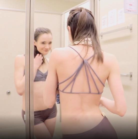 ManyVids - Princess Bambie Aka Carissa Nicole - Voyeur Dressing Room (FullHD/1080p/1.79 GB)