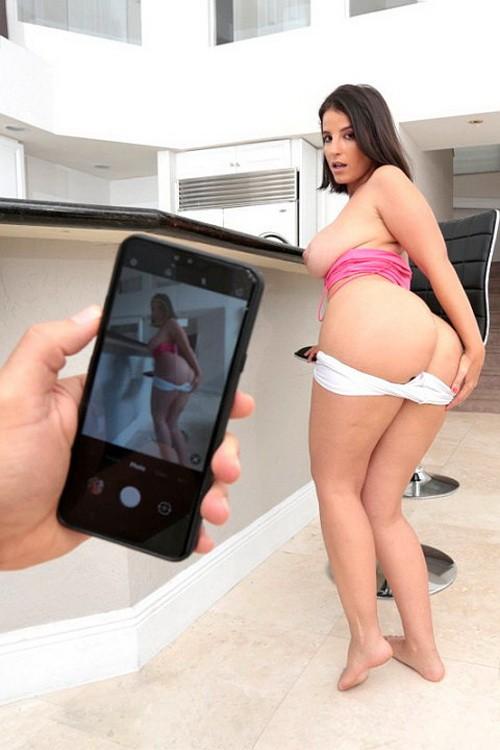 BrazzersExxtra/Brazzers - LaSirena69 - Selfies Before Sex (FullHD/1080p/722 MB)