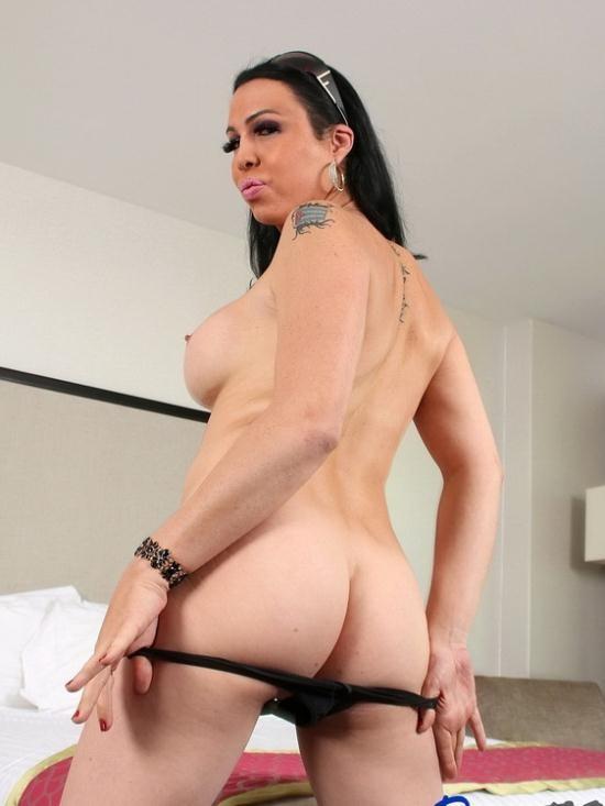 Pure-TS - Danika Dreamz - horny Canadian Danika Dreamz gets what she wants (FullHD/1080p/1.54 GB)