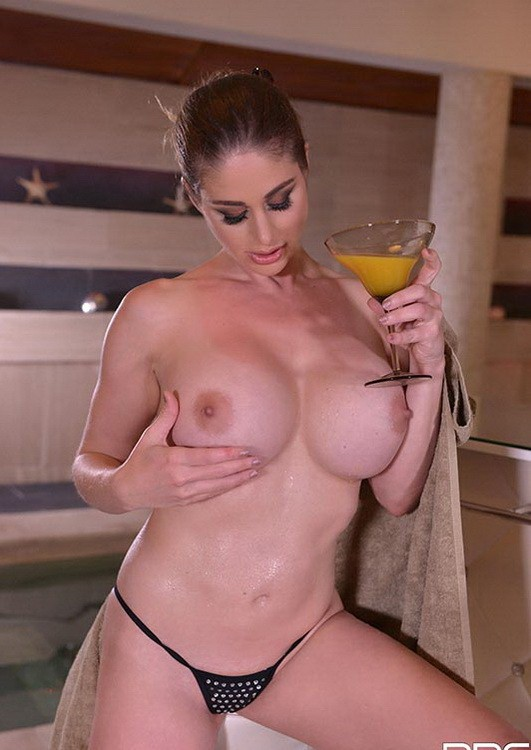 DDFBusty/DDFNetwork - Cathy Heaven - Voluptuous Spa Goddess - Busty Hot Babe's Tits Jizzed! (FullHD/1080p/1.52 GB)