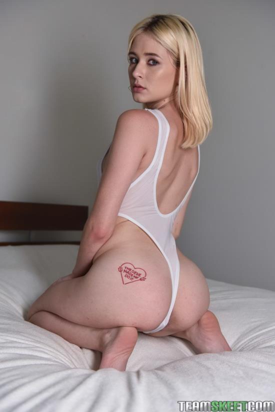 ExxxtraSmall/TeamSkeet - Jessie Saint - Tiny Oiled Up Orgasms (FullHD/1080p/3.62 GB)