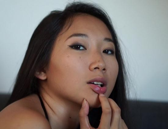 ManyVids - LunaXJames - Asian model fucked by photographer (FullHD/1080p/1.31 GB)