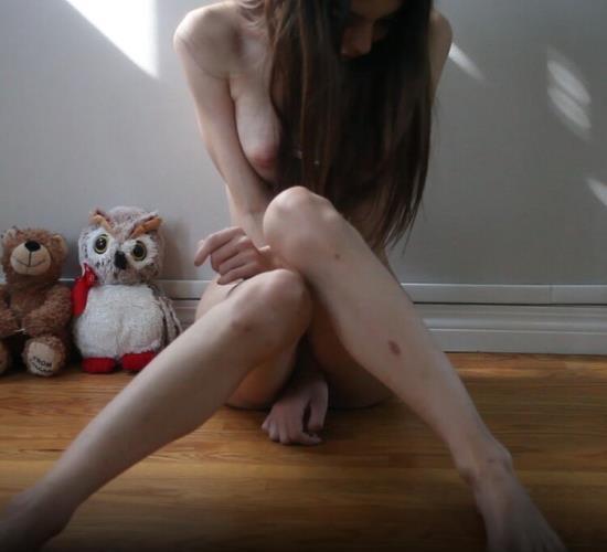 ManyVids - Chloe Night - Squirting girl shakes - booty (FullHD/1080p/1.33 GB)