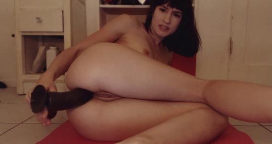 ManyVids - MiaRand (aka Ayn Marie, Mia Rand, aynmarie) - 8 inch dildo anal (HD/720p/430 MB)