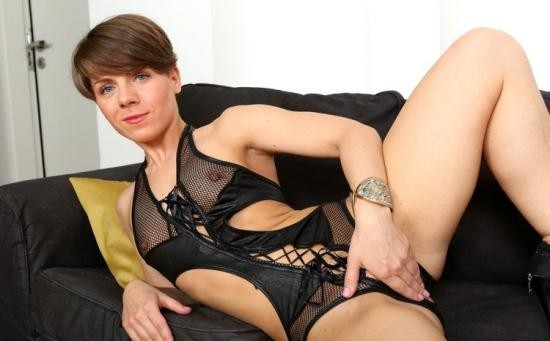 DFBnetwork - Sasha Zima - Short haired babe up for black anal (HD/720p/523 MB)