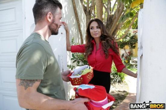 BangBrosClips/BangBros - Anissa Kate - Anally Helping The Neighbor In Need (FullHD/1080p/1.71 GB)