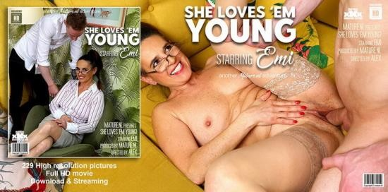 Mature.nl - Emi (55) - Mature Emi loves herself the cock from a horny toyboy (FullHD/1080p/1.23 GB)