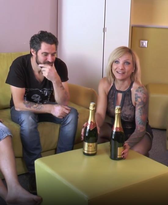 JacquieEtMichelTV/Indecentes-Voisines - Lisa - Lisa finit son sejour en beaute ! (FullHD/1080p/1.42 GB)