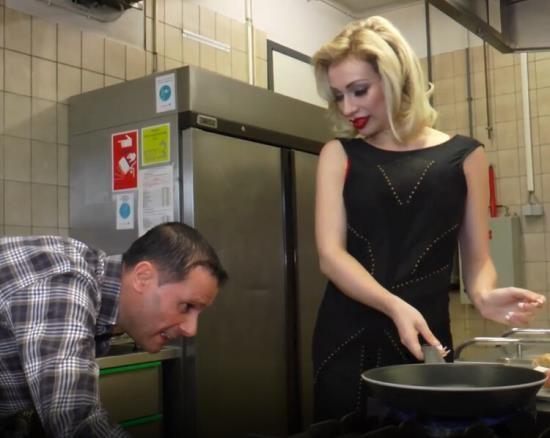 MariskaX - Chessie Kay - Fucking Chessie Kay In The Kitchen (FullHD/1080p/1.77 GB)