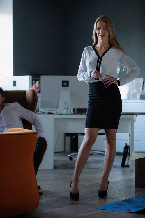 SexArt/MetArt - Alexis Crystal - Office Episode 1 - Co-Workers (FullHD/1080p/1.11 GB)