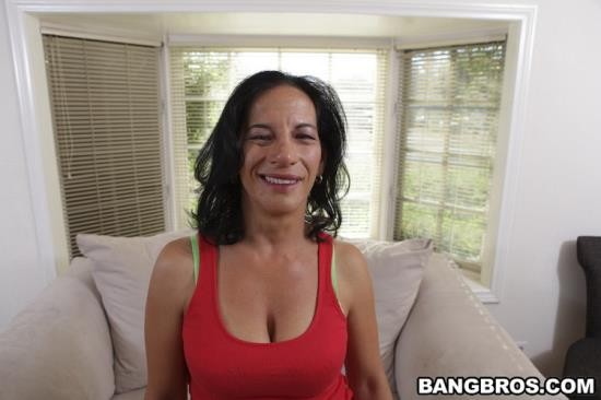 MILFSoup/BangBros - Melissa Monet - MILF BAR BOOTY W/ Melissa Monet (HD/720p/1.60 GB)