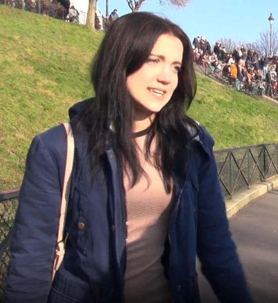 JacquieEtMichelTV.net/Indecentes-Voisines - Oktavia Milton - Octavia 18ans en vacances a Paris (FullHD/1080p/1.14 GB)