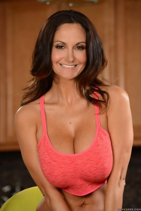 RealWifeStories/Brazzers - Ava Addams - Double Timing Wife - Part 3 (FullHD/1080p/3.71 GB)