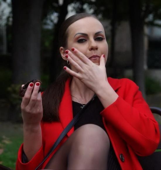 JacquieEtMichelTV - Tina Kay - Parisian stroll for the beautiful Tina… (FullHD/1080p/987 MB)