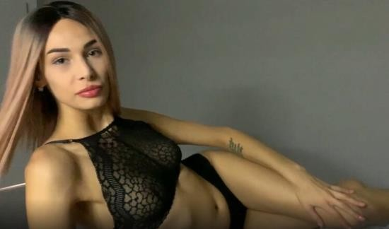 OnlyFans - Fiamurr - Blowjob at Bedtime from Super Babe (UltraHD 4K/2160p/1.25 GB)