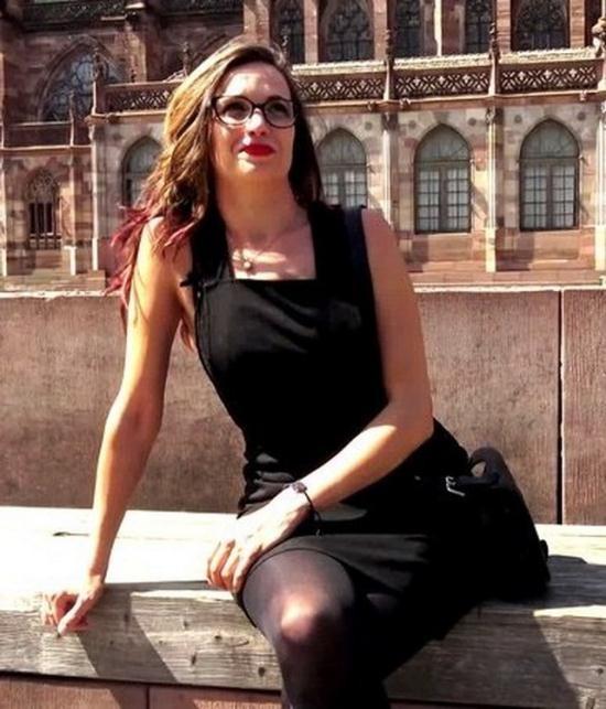 JacquieEtMichelTV/Indecentes-Voisines - Clarisse - A Strasbourg avec Clarisse, 37ans (FullHD/1080p/1.13 GB)