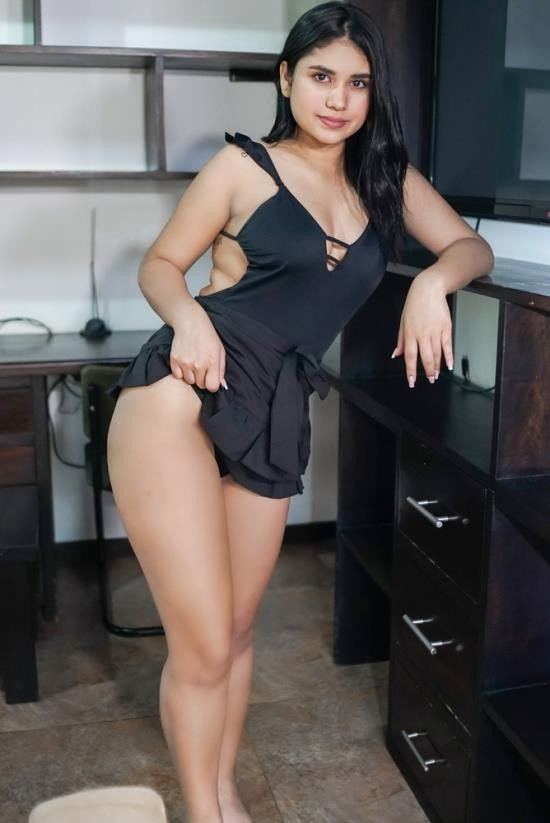 VRLatina - Gaby Gomez - Cheeky Little Chica (UltraHD 4K/2160p/3.23 GB)