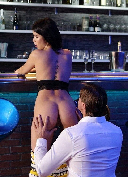 Anal-Beauty/TeenMegaWorld - Lady Dee - Upset Girl Cheats With a Bartender (FullHD/1080p/1.89 GB)