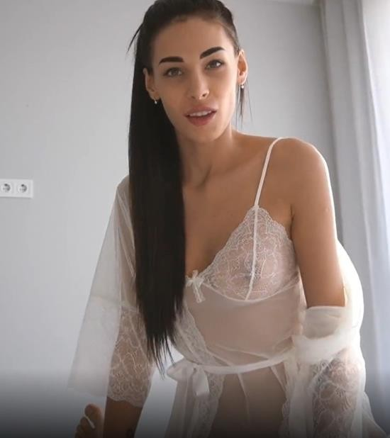 OnlyFans - Fiamurr - My Daddy Loves when I Suck his Dick in the Morning - Young Girlfriend (UltraHD 4K/2160p/1.38 GB)