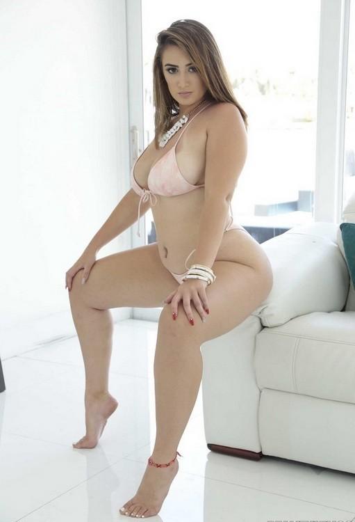 BigNaturals/RealityKings - Britt James - Britts Big Bouncy Tits (HD/720p/424 MB)