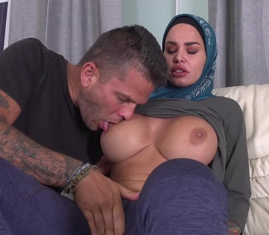 SexWithMuslims/PornCZ - Chloe Lamour - Horny Muslim Wife Wanted Try Anal Sex (UltraHD/2K/1920p/1.31 GB)