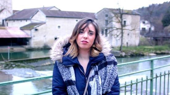 JacquieEtMichelTV/Indecentes-Voisines - Cindy - Cindy, 21ans, lheure est a la pluralite masculine ! (FullHD/1080p/986 MB)