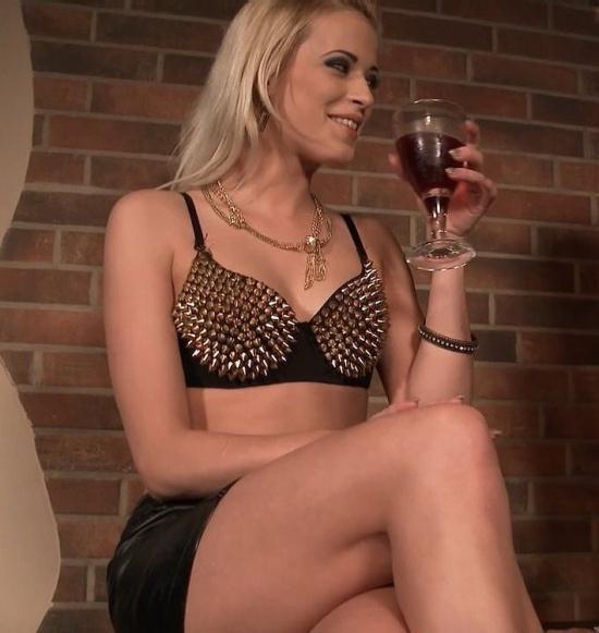 LegalPorno - Ria Sunn, Nicole Love, Ian Scott, Vinny - Ria Sunn, Nicole Love in double anal foursome SZ1410 (HD/720p/1.40 GB)