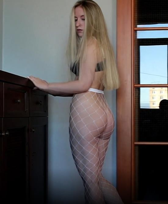 OnlyFans - ivyTVi - Fucked blue-eyed blonde in fishnet pantyhose (UltraHD 4K/2160p/3.83 GB)