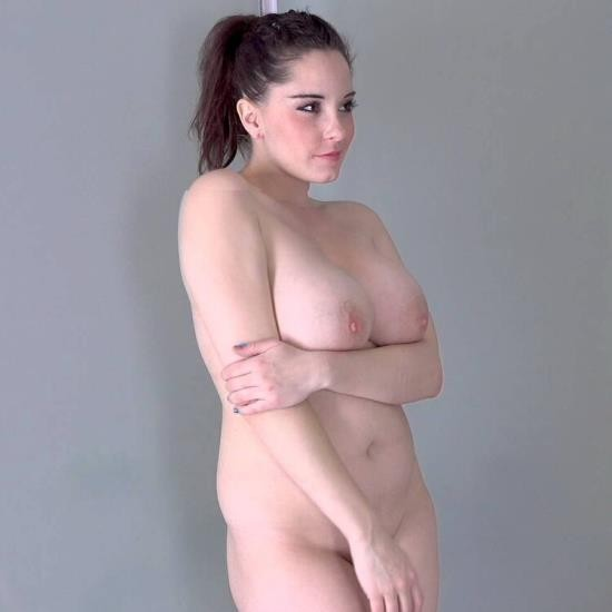 CzechSexCasting/PornCZ - Anabelle, MAD BUNDY - BIG BEAUTIFUL WOMAN IN PHOTOSHOOT FUCK (UltraHD 4K/2160p/3.99 GB)