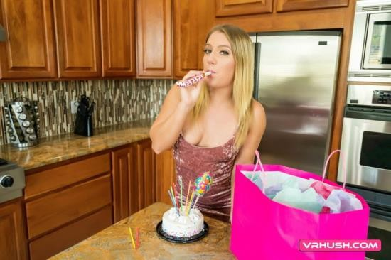 VRHush - Candice Dare - I Wanted To Surprise You On Your Birthday! (UltraHD 2K/1440p/4.89 GB)