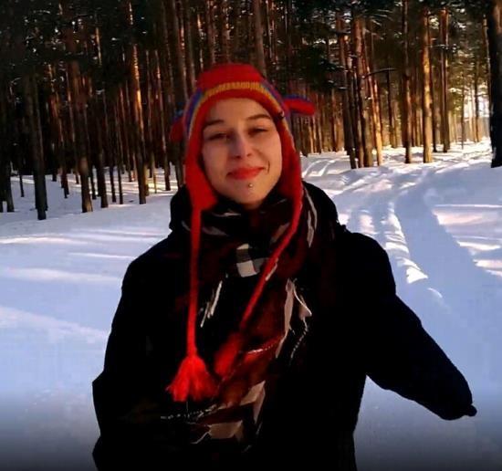 OnlyFans - Laruna Mave - First Time PUBLIC Blowjob in Winter (UltraHD 4K/2160p/1.98 GB)