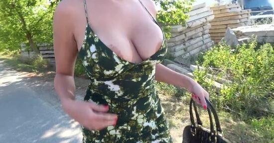 PublicAgent/FakeHub - Amaranta Hank - Busty crazy MILF in hot public fuck (HD/720p/546 MB)