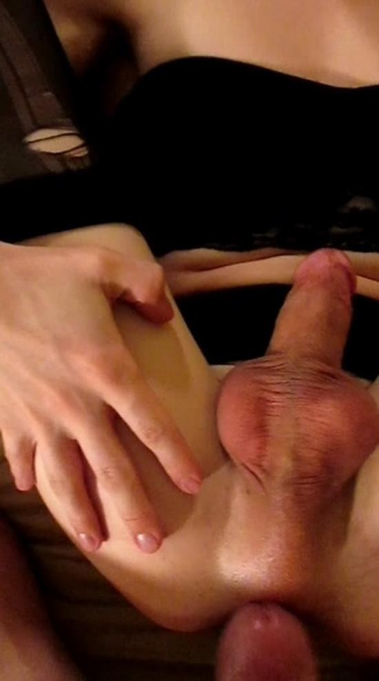 Manyvids - Nyxi Leon - After Dinner Date FUCK Hot POV (FullHD/1080p/577 MB)