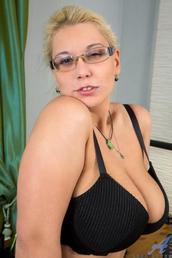 HornyThroats - Luba Love - Blonde with luscious curvy body (HD/720p/732 MB)