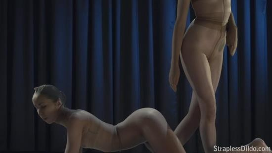 StraplessDildo - Jane and Rossy - Bush.santas.favourite.body.stocking.story (HD/720p/1.14 GB)
