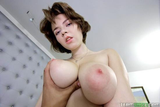 TeensDoPorn/TeamSkeet - Marina Visconti - From Russia With Love (FullHD/1080p/2.46 GB)