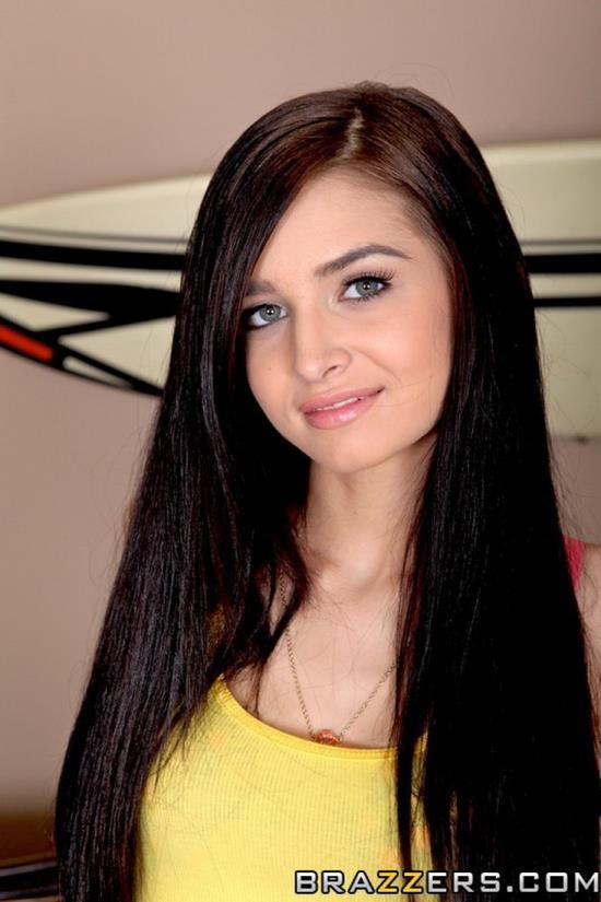 TeensLikeItBig/Brazzers - Zoey Kush - Zoey Goes Big (HD/720p/980 MB)