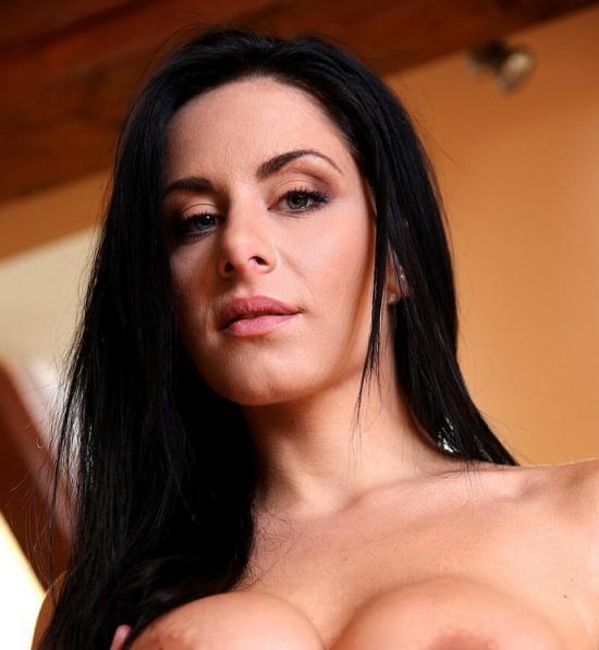 LegalPorno - Alex Black - Big butt slut Alex Black fucked by 3 guys with DP and pee SZ781 (HD/720p/1.85 GB)