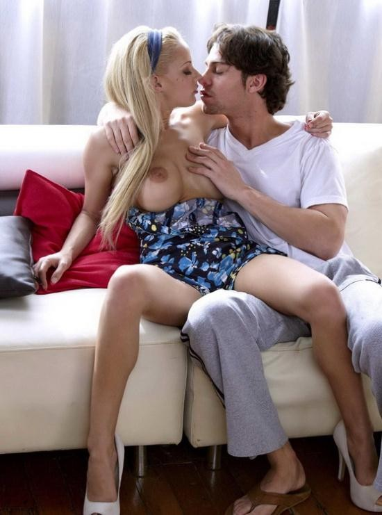 Babes - Lou Lou - You're All I Want (FullHD/1080p/1.11 GB)