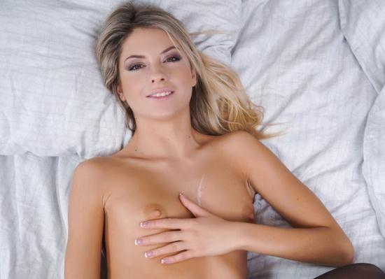 SexBabesVR - Rebecca Volpetti - My Petite Girlfriend (UltraHD/4K/2160p/3.97 GB)