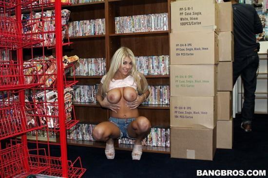 PublicBang/BangBros - Kayla Kayden - Fucking in the Sex Shop (HD/720p/356 MB)