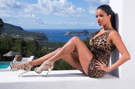 Private - Anissa Kate - Fashion Shoots And Money Shots (FullHD/1080p/741 MB)