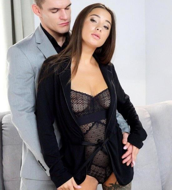 TheWhiteBoxxx/LetsDoeIt - Liya Silver - Sexy brunette rides huge dick like a champ (HD/720p/775 MB)