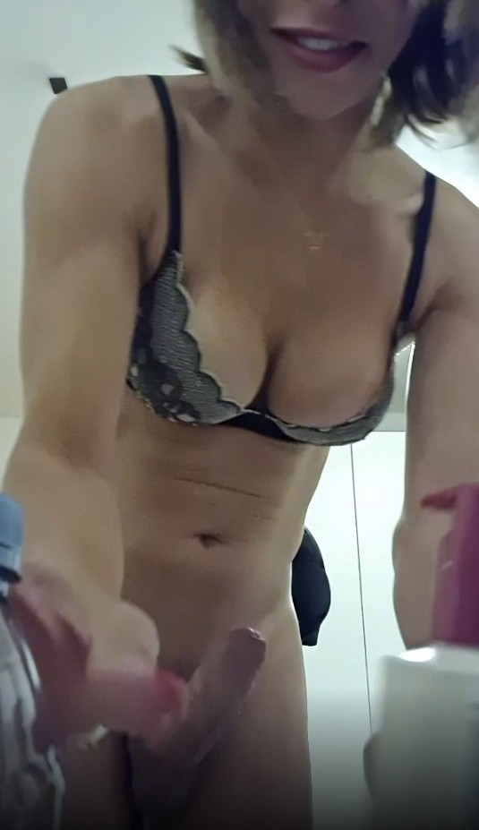 OnlyFans - Carla Brasil - Today s quick scene is a source (FullHD/1080p/406 MB)