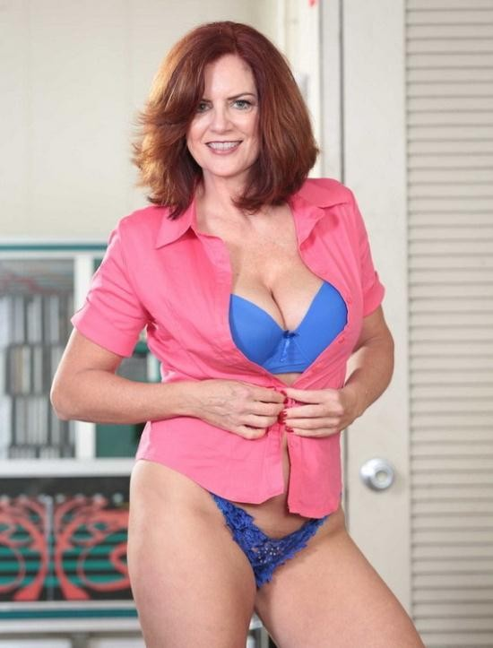 MilfHunter/RealityKings - Andy James - A Big Tip For Andy (HD/720p/539 MB)
