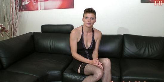 French-Bukkake - Clara Titi - Casting (HD/720p/625 MB)