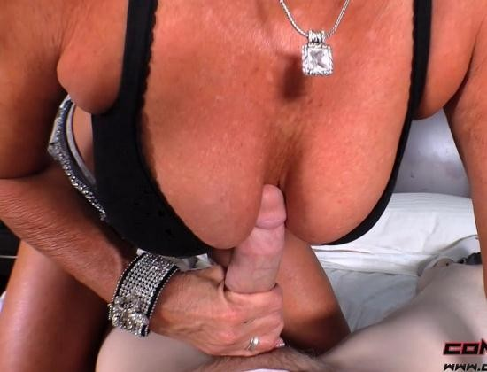 Conor Coxxx Clips/Clips4Sale - Payton Hall - Let Mommy Help You With That (FullHD/1080p/1.57 GB)